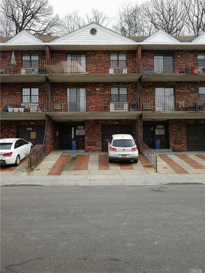 Douglaston Condo/Townhouse For Sale: 6805 242nd St #31D