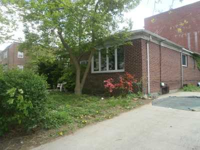 Flushing Single Family Home For Sale: 156-20 59 Ave