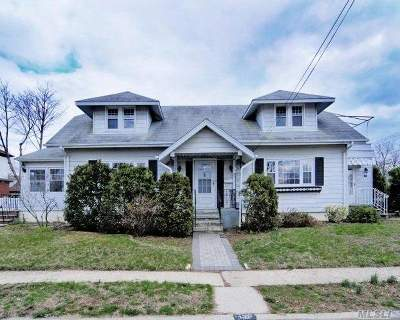 Merrick Single Family Home For Sale: 131 Gregory Ave