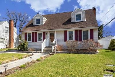 East Norwich Single Family Home For Sale: 40 Richard Rd