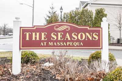 Massapequa Condo/Townhouse For Sale