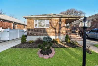 Fresh Meadows Single Family Home For Sale: 75-07 172nd St