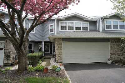 Holbrook Condo/Townhouse For Sale: 31 Hampshire Ct