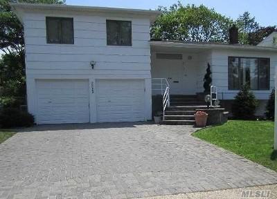 Single Family Home For Sale: 3323 Robbin Ln