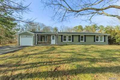 Farmingville Single Family Home For Sale: 45 Midvale Ave