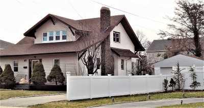 Oceanside Single Family Home For Sale: 120 Davison Ave