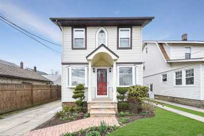 Lynbrook Single Family Home For Sale: 111 President St