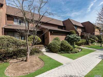 Roslyn Condo/Townhouse For Sale: 15 Frost Pond