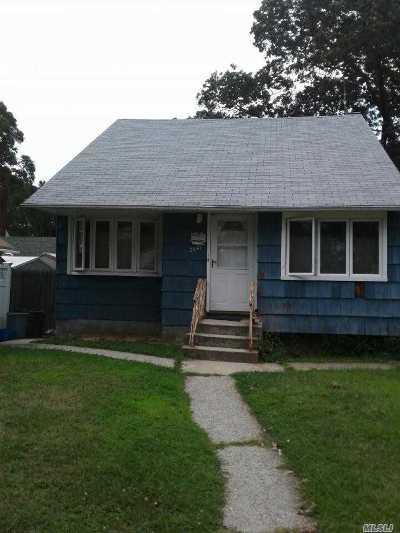Oceanside Single Family Home For Sale: 2587 Loftus Ave