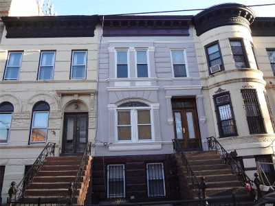 Brooklyn Multi Family Home For Sale: 564 Jefferson Ave