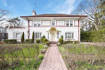 Douglaston Single Family Home For Sale: 7 Manor Rd