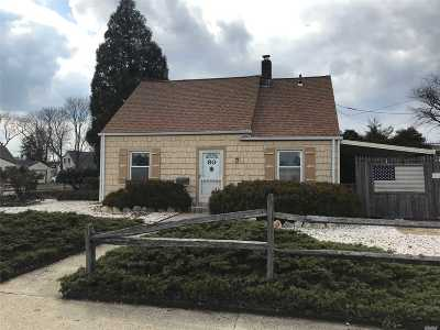 Levittown Single Family Home For Sale: 80 Wolcott Rd