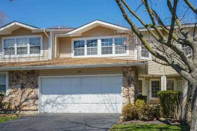 Holbrook Condo/Townhouse For Sale: 79 Colony Dr