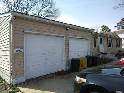 central Islip Single Family Home For Sale: 34 Miller Ave