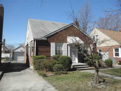 Bayside Single Family Home For Sale: 56-34 Clearview Expy