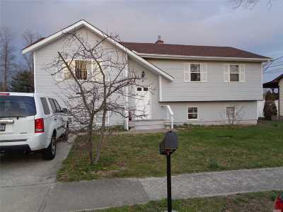 central Islip Single Family Home For Sale: 15 Hoffman Ln