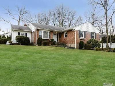 East Norwich Single Family Home For Sale: 253 Peachtree Dr