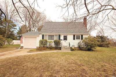 Bay Shore Single Family Home For Sale: 1531 Baldwin Blvd
