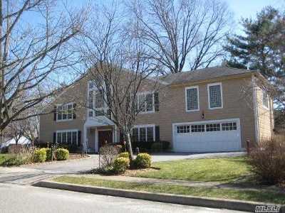 Roslyn Single Family Home For Sale: 68 Arbor Ln
