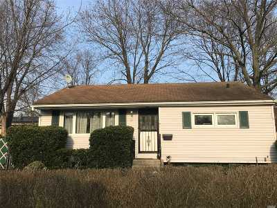 Brentwood Single Family Home For Sale: 161 Claywood Dr