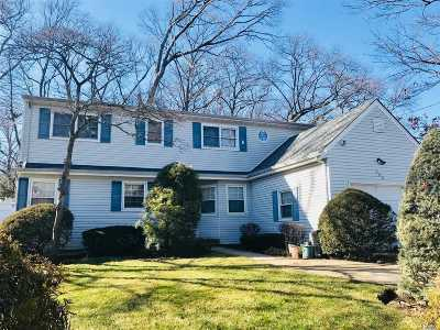 W. Hempstead Single Family Home For Sale: 444 Woodfield Rd