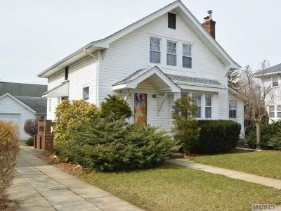 Lynbrook Single Family Home For Sale: 27 Sunset Ave