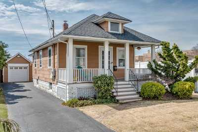 Bellmore Single Family Home For Sale: 2722 Clarendon Ave