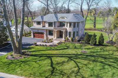 Port Washington Single Family Home For Sale: 18 Country Club Dr