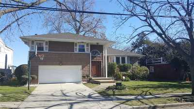 Woodmere Single Family Home For Sale: 712 Longacre Ave