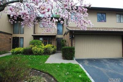 Roslyn Condo/Townhouse For Sale: 34 Wimbledon Dr