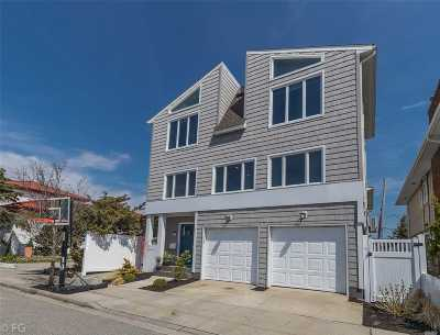 Long Beach Single Family Home For Sale: 92 Curley St