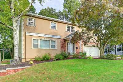 Roslyn Single Family Home For Sale: 60 Woodland Rd