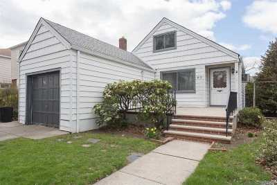 Bayside Single Family Home For Sale: 36-22 Clearview Expy