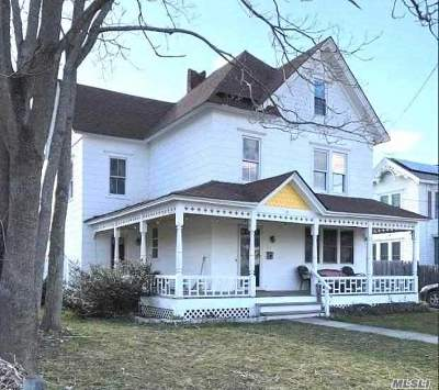 Patchogue Single Family Home For Sale: 26 Maple Ave