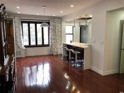 Middle Village Single Family Home For Sale: 6315 83 St