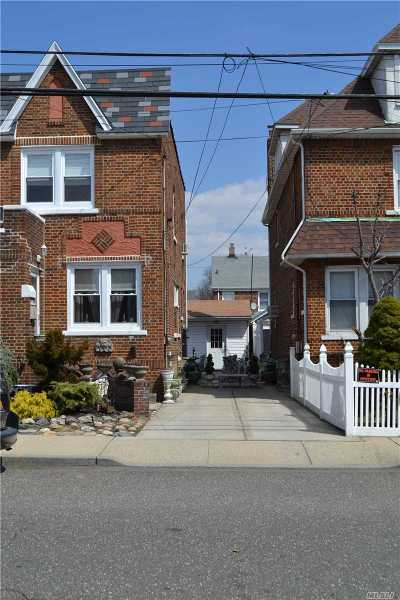 Floral Park Single Family Home For Sale: 94-49 239th St