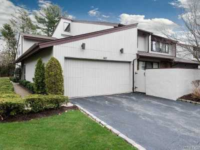 Jericho Condo/Townhouse For Sale: 140 Foxwood Dr