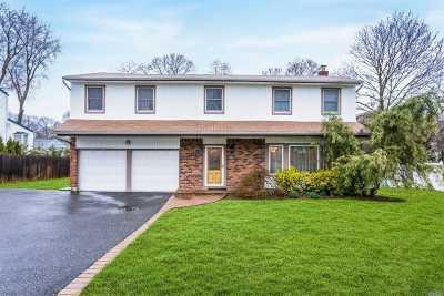 Kings Park Single Family Home For Sale: 21 Sesame St