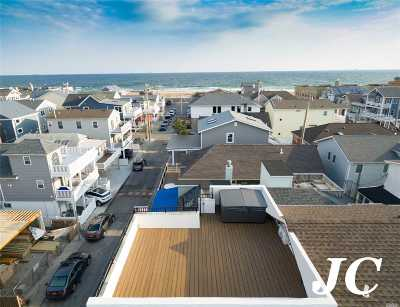 Long Beach Single Family Home For Sale: 33 New Hampshire St