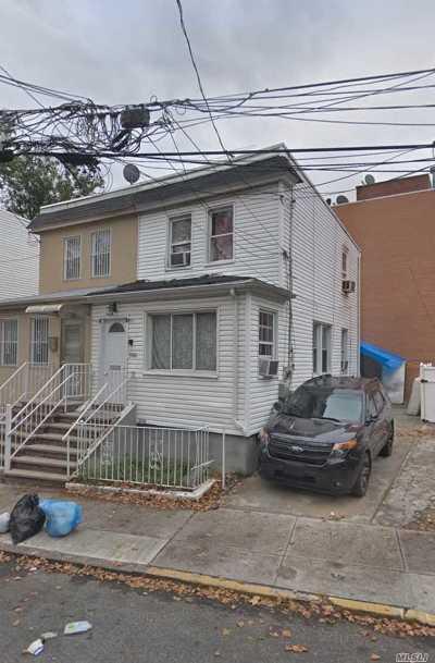 Corona Single Family Home For Sale: 35-08 109 St