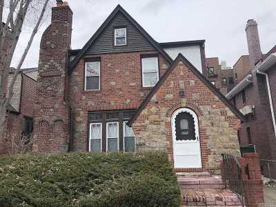 Rego Park Single Family Home For Sale: 62-58 Ellwell Crescent