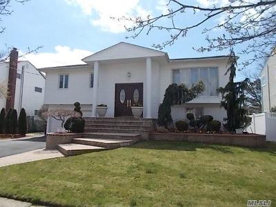 Single Family Home For Sale: 3206 Denton Dr