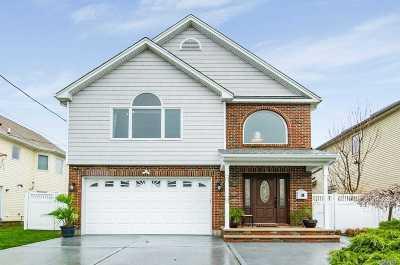 Bellmore Single Family Home For Sale: 2493 Sunrise Ave