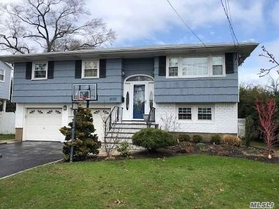 N. Bellmore Single Family Home For Sale: 2035 Decatur Ave