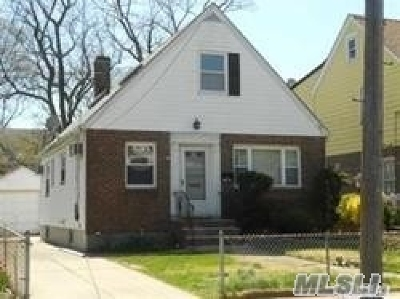 Single Family Home For Sale: 237-34 Fairbury Ave
