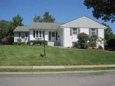 East Norwich Single Family Home For Sale: 51 Roosevelt Dr
