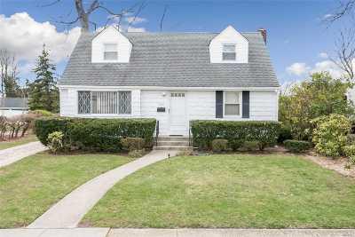 N. Bellmore Single Family Home For Sale: 2012 Ennabrock Rd