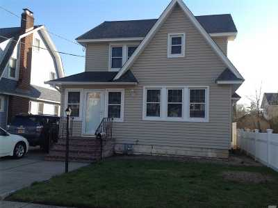 Lynbrook Single Family Home For Sale: 48 Malden Ave