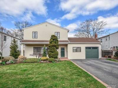 Bellmore Single Family Home For Sale: 3110 Lydia Ln