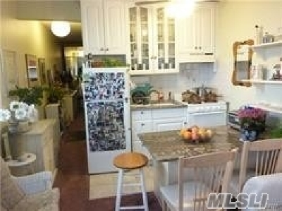 Long Beach Condo/Townhouse For Sale